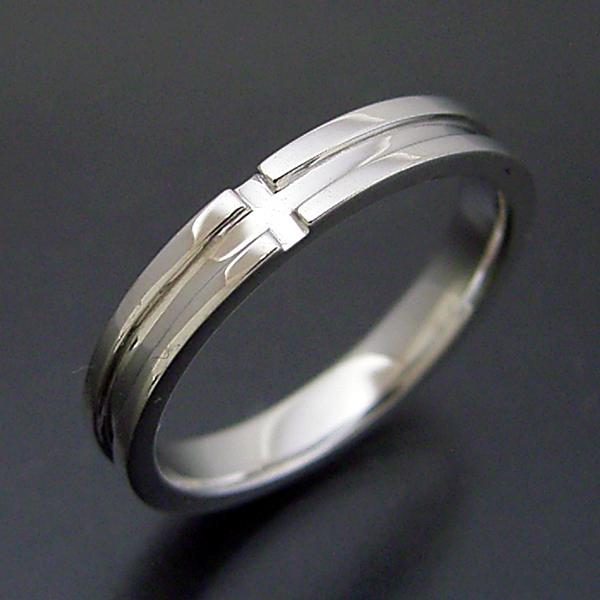 シンプルなクロスラインの結婚指輪