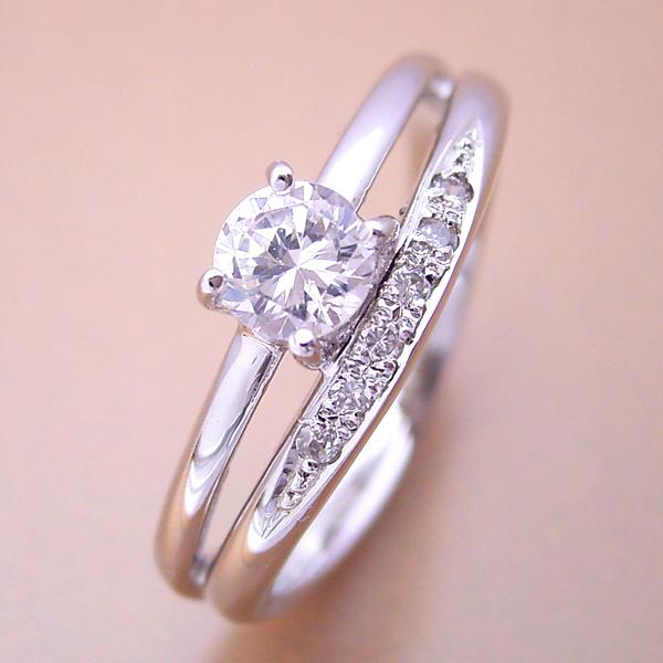 画像1: 1本の指輪なのに重ね着けしているような婚約指輪 (1)