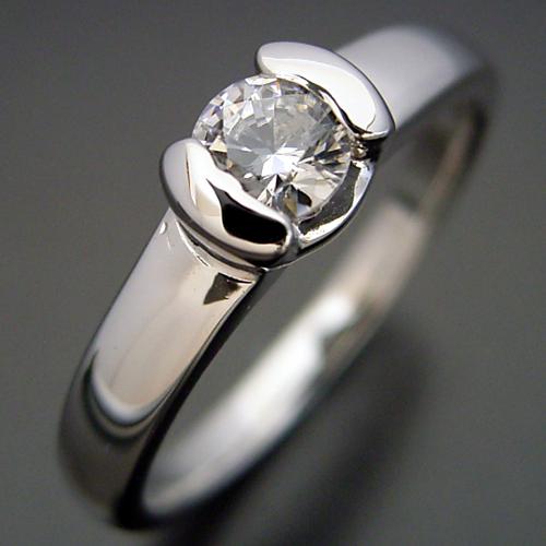 画像1: ごつしっかり伏せこみタイプの婚約指輪 (1)