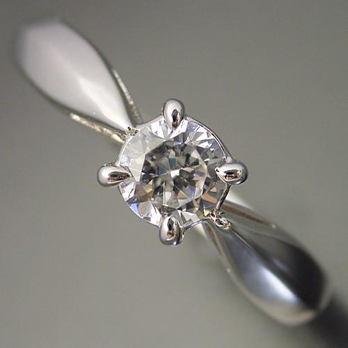 画像1: 4本爪の新しいデザインの婚約指輪 (1)
