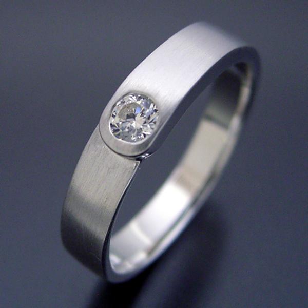 店長の結婚指輪がベースの結婚指輪