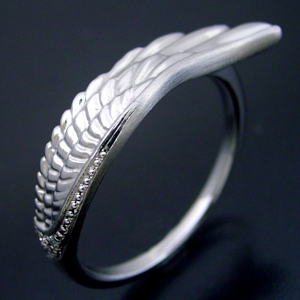 画像1: 長く使える指輪としてデザインしたフェザー(羽)の結婚指輪 (1)
