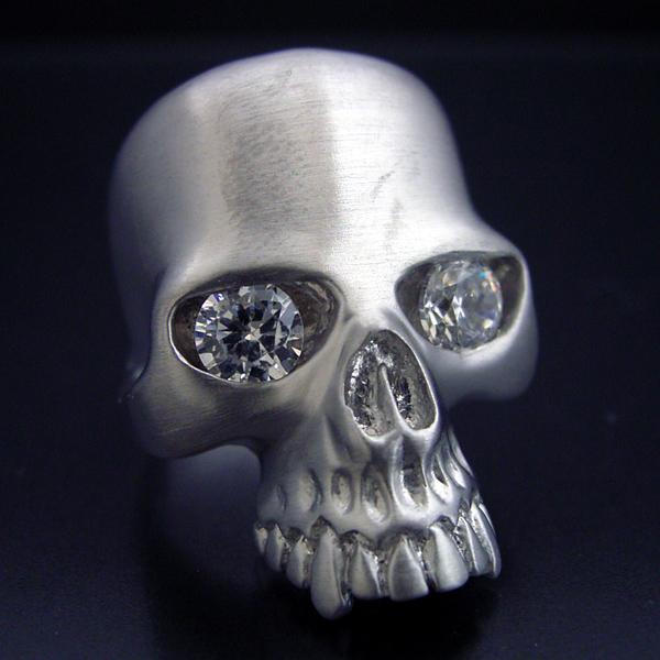 画像1: スカルをモチーフとした最高傑作の婚約指輪 (1)