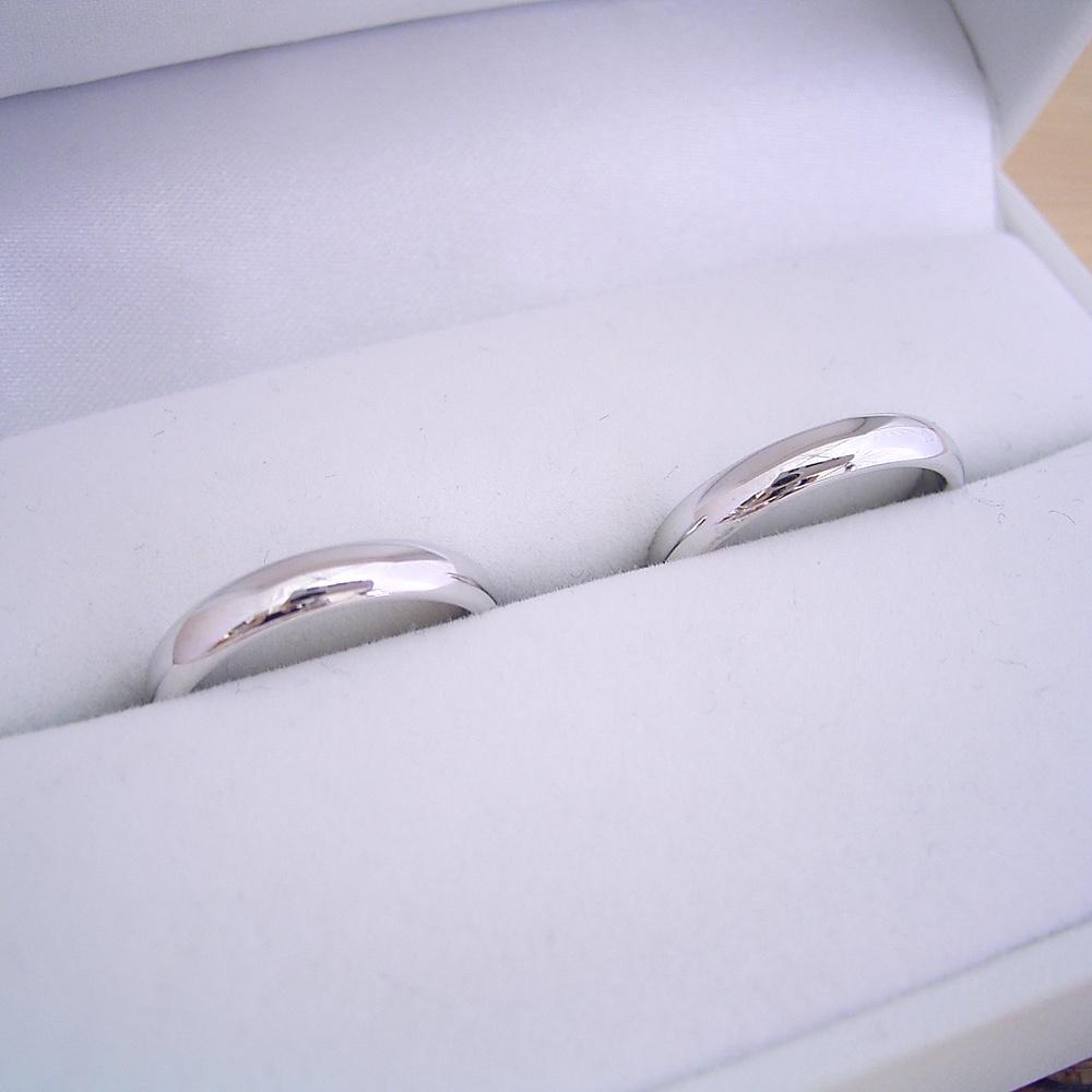 画像1: 最高のシンプルデザインである甲丸タイプの結婚指輪のペアリング (1)