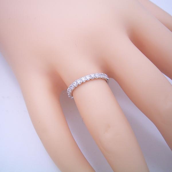 最高品質のダイヤモンドで作るハーフエタニティリング