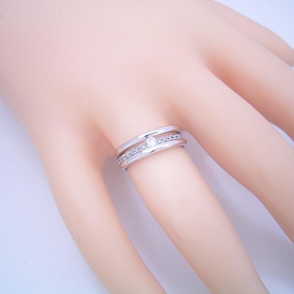 思った以上に凝っている婚約指輪