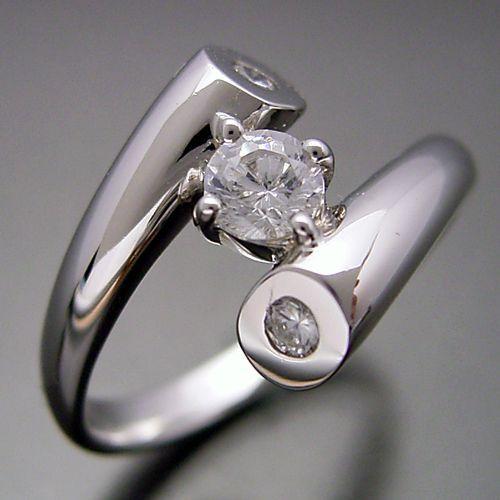 画像1: 婚約指輪がテーマの婚約指輪 (1)