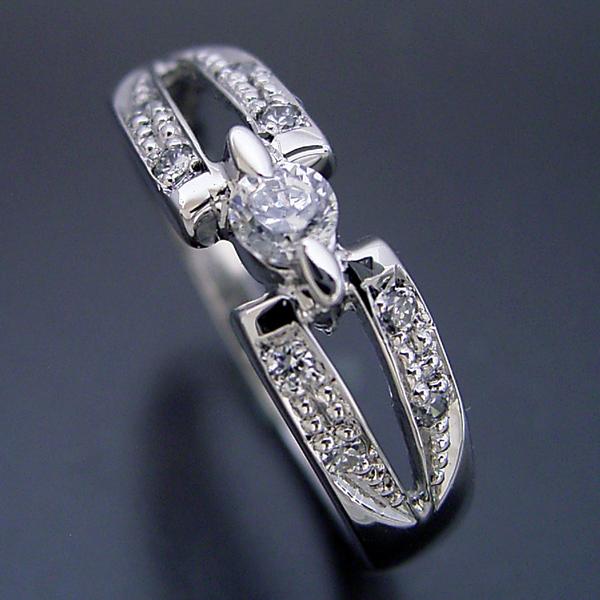 画像1: 土偶みたいなデザインですが、指に着けると似合う婚約指輪 (1)