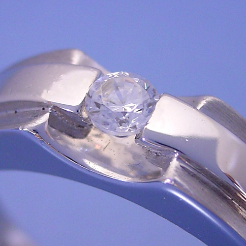 メンズリングのような婚約指輪