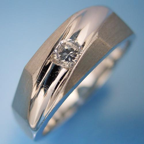 画像1: ツヤ消し加工が似合う婚約指輪 (1)