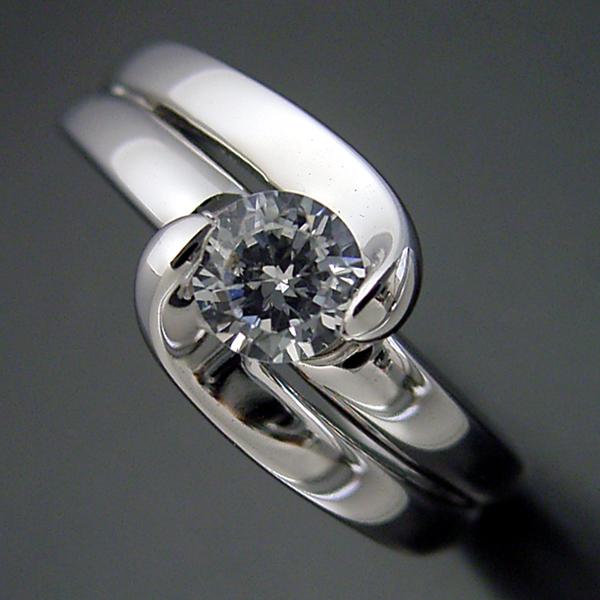 画像1: ダイヤモンドを優しく包み込む婚約指輪 (1)