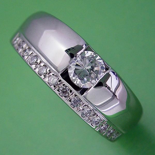 画像1: エタニティリングと組み合わせた婚約指輪 (1)