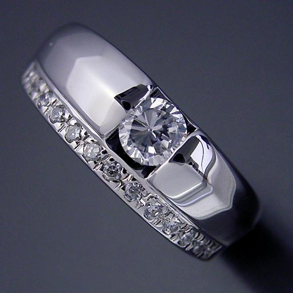エタニティリングと組み合わせた婚約指輪