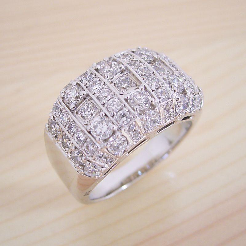 画像1: ギラギラ感が凄い婚約指輪 (1)