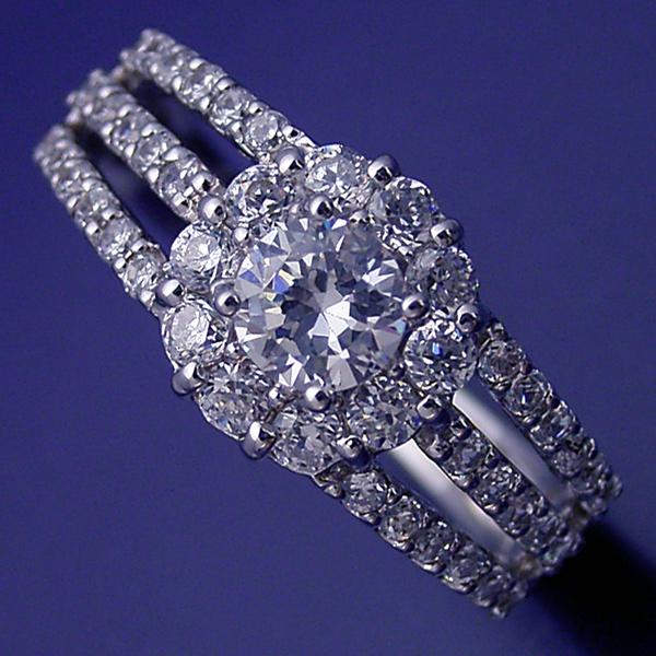 画像1: 豪華なのに上品な婚約指輪 (1)