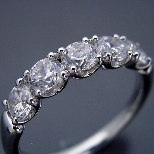画像1: 一番お気に入りのハーフエタニティリングの婚約指輪 (1)