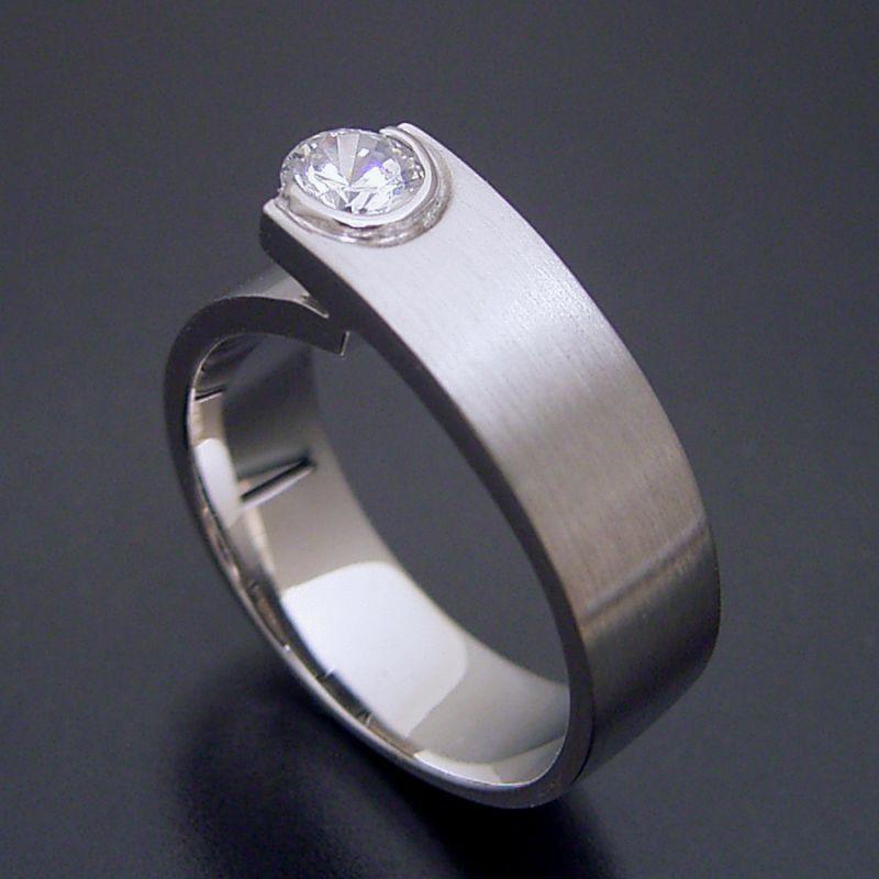 シンプルでスタイリッシュな婚約指輪「Kiwami type Six」