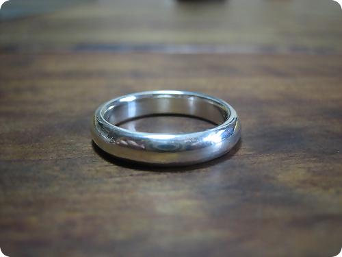 甲丸リングの結婚指輪