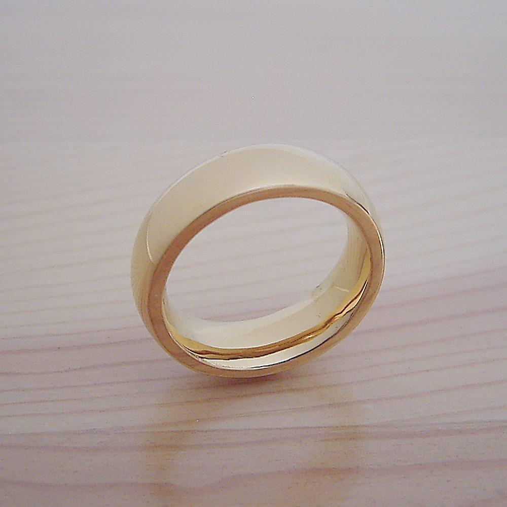 最高に気持ちが良い着け心地の結婚指輪「一つの指輪〜ゴールドモデル〜」